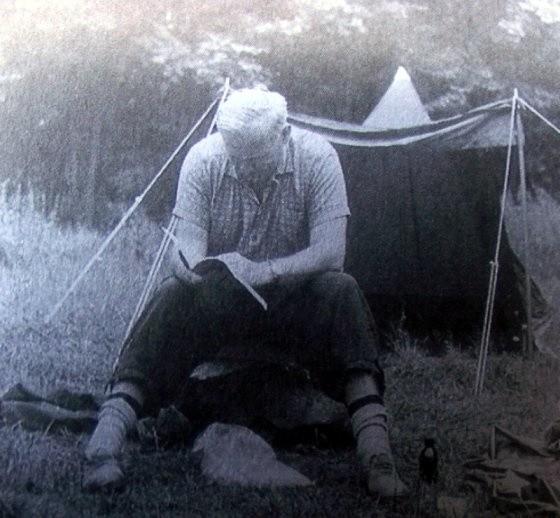 Ksiądz Karol Wojtyła na szlaku Drawy w lipcu 1955 roku.