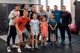 """Piotr """"Gatuno"""" Kurek - trener personalny piłkarzy Lecha Poznań prowadzi darmowe treningi online"""
