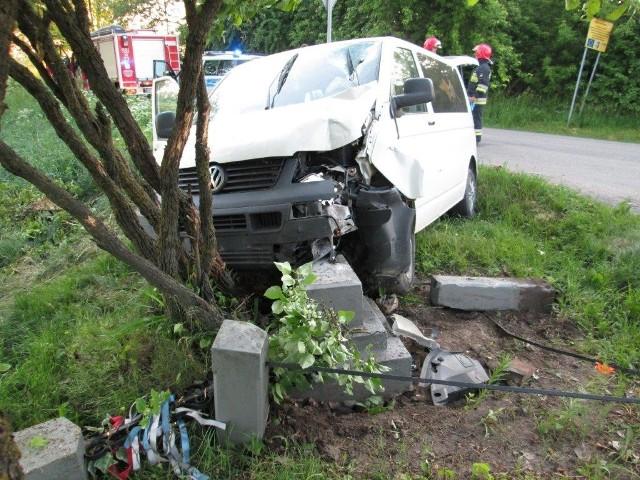 Do wypadku doszło w Klewkach (gmina Przasnysz) na skrzyżowaniu drogi wojewódzkiej nr 544 z drogą powiatową 3225W nad ranem 30 maja.
