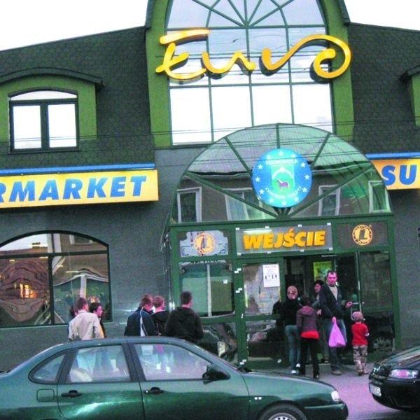 """Jednym z najbardziej rozpoznawalnych obiektów w Suchowoli jest ten oto supermarket """"Euro"""""""