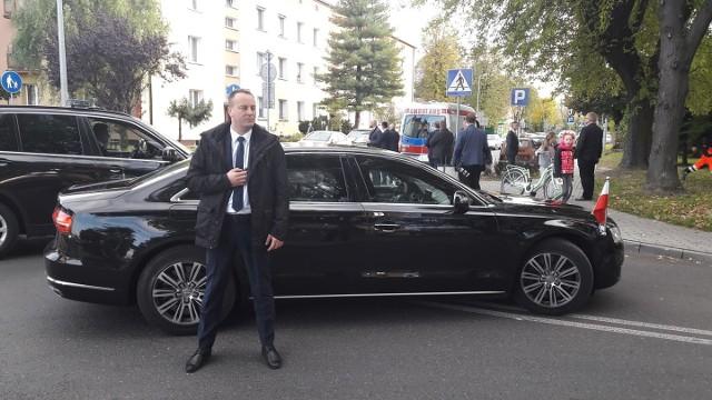 To zdjęcie zrobiono tuż po wypadku, prezydencka limuzyna zatrzymała się