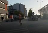 Taneczny trans przed pomnikiem jednorożca! Upał daje się we znaki FILM, ZDJĘCIA