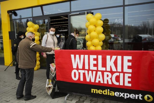 Wielkie otwarcie sklepów Action i Media Expert w krakowskim CH Atut Bielany przy ulicy Księcia Józefa