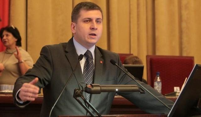 Przewodniczący Rady Miejskiej w Łodzi Tomasz Kacprzak apeluje do wojewody, aby przestał uchylać uchwały podjęte przez wojewodę.