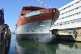 Stocznia Wojenna w Gdyni. Kadłub okrętu dla Królewskiej Marynarki Wojennej Szwecji zwodowany w gdyńskiej stoczni [zdjęcia]