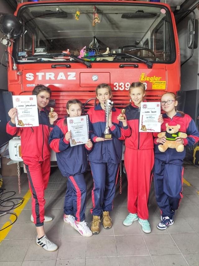 Młodzieżowa Drużyna Pożarnicza z OSP Kobylany