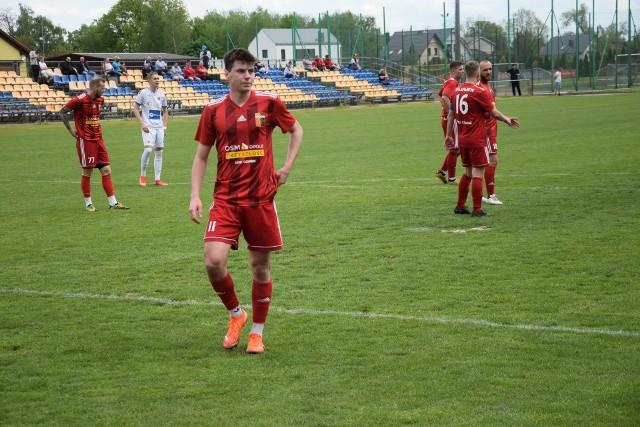 Za nami już wszystkie dziesięć spotkań 40. kolejki BS Leśnica 4 Ligi Opolskiej. Tym samym prezentujemy raporty z tych gier i strzelców bramek.