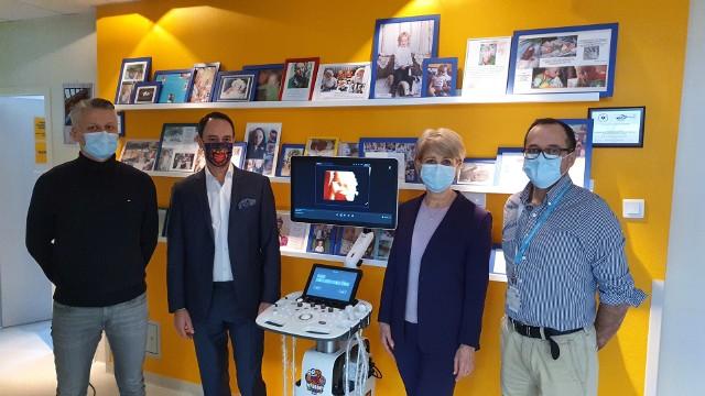 Ultrasonograf przekazany szpitalowi przez firmę Euromed wart jest ponad 100 tys. złotych.