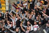 Tak kibice ŁKS dopingowali piłkarzy w Gdyni. Wielka radość ŁKS. Zobacz zdjęcia