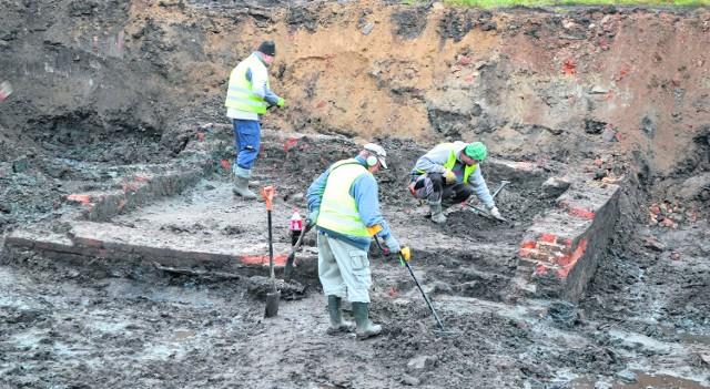 Fragment odkopanej kilka dni temu budowli. Archeolodzy spróbują ustalić jej przeznaczenie