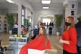 - Przeżyjemy i ten cios – mówią właściciele znanych zakładów fryzjerskich z Międzyrzecza. – Tylko jak dadzą sobie radę ci z młodszych firm?