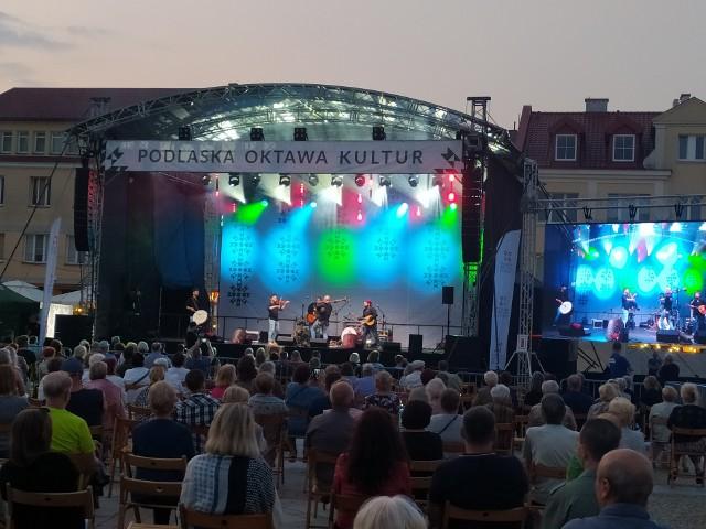 W piątek rozpoczął się pierwszy dzień koncertów w ramach Podlaskiej Oktawy Kultur. Na Rynku Kościuszki zebrały się tysiące białostoczan.