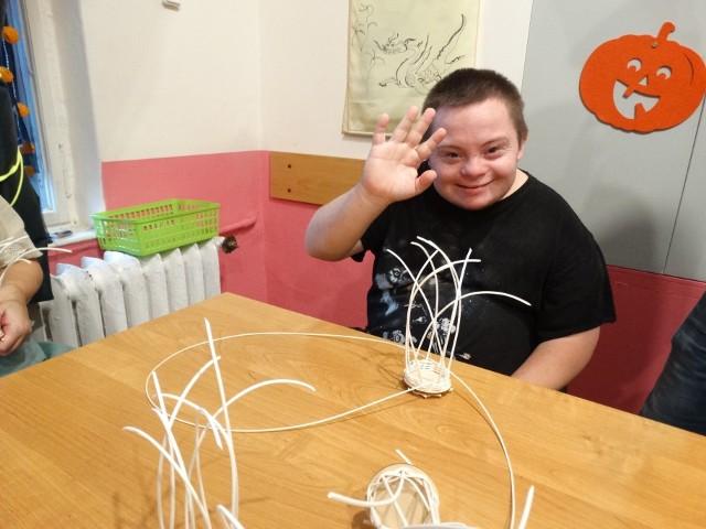 Uczestnicy Warsztatów Terapii Zajęciowej w Owińskach uczą się  samodzielności, zdobywają umiejętności przydatne w codziennym życiu