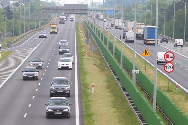 Na autostradzie A2 doszło do kolizji dwóch pojazdów