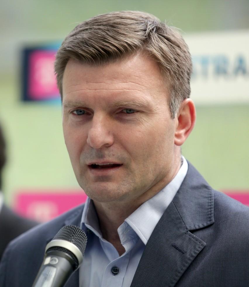 Andrzej Juskowiak w Bundeslidze rozegrał 184 mecze, w których strzelił 56 bramek. Obecnie jest ekspertem stacji Canal+ Sport