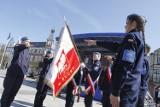 LSM Puck na Starym Rynku otrzymała swój sztandar. Zagrała Marynarka Wojenna, a w mieście stanęły wojskowe sprzęty | ZDJECIA, WIDEO