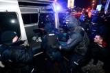 Warszawa: Strajk Kobiet znów na ulicach, interweniowała policja [ZDJĘCIA] [WIDEO] Kilkanaście osób zostało zatrzymanych