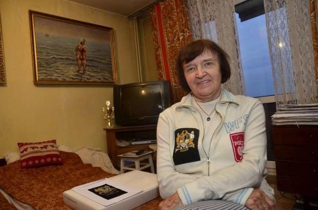 Teresa Zarzeczańska-Różańska w dresie z emblematem triumfatorów kanału La Manche