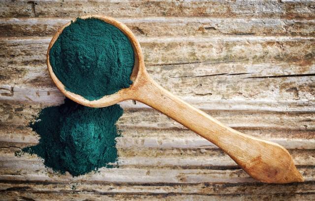 Spirulina to alga wykorzystywana w gastronomii, kosmetologii oraz jako suplement diety.