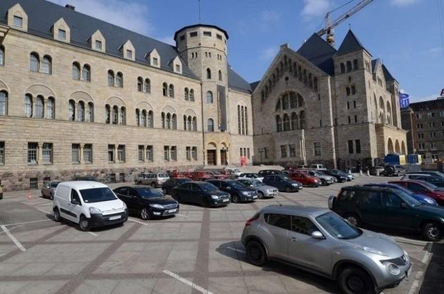 Kontrola CBA dotyczy przetargu na remont pracowni plastycznych w CK Zamek.