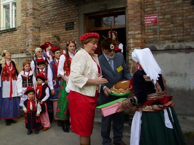 W budynku odbywają się różne imprezy m.in. promujące lokalną kulturę oraz przedstawienia