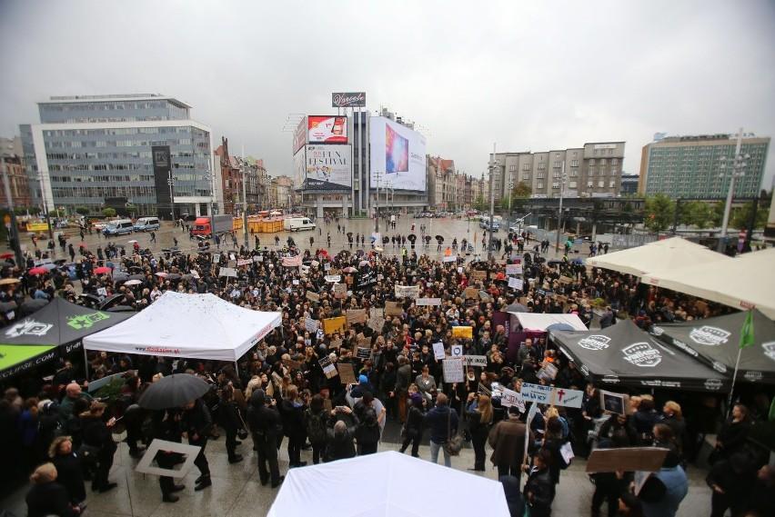 Czarny protest w Katowicach