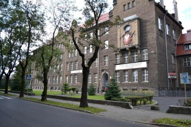 Zmarła nauczycielka pracowała w Zespole Szkół Ekonomicznych w Lesznie.