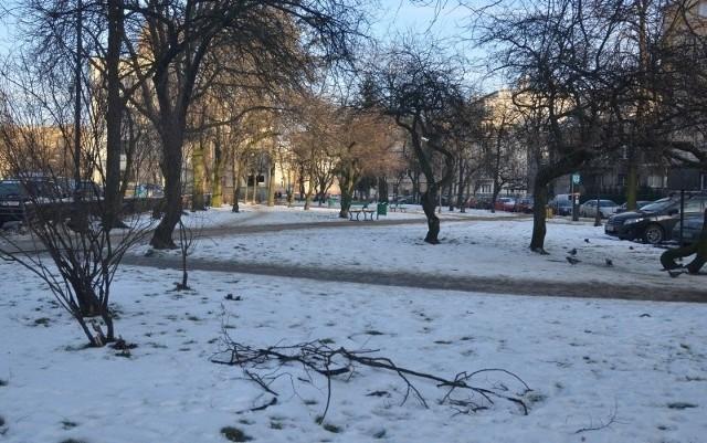 Ten skwer przy placu Komuny Paryskiej miałby nosić imię Lecha Kaczyńskiego.