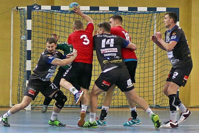 Piłkarz ręczni Grunwaldu Poznań w niedzielę o godz. 12 w hali przy ul. Newtona zmierzą się w derbowym pojedynku z Ostrovią