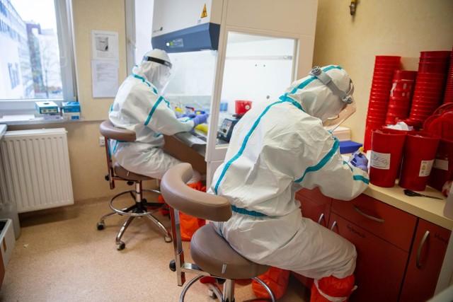 Nieszczelność systemu kontroli nad zakażonymi koronawirusem ma zostać naprawiona.