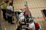 Ministerstwo Zdrowia: Bez maseczki nie zrobisz zakupów