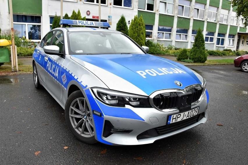 Policjanci z Prudnika zatrzymali w pościgu 35-latka, który miał prawie 1,5 promila alkoholu i sądowy zakaz prowadzenia pojazdów