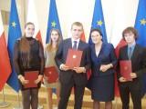 Szkolne orły z Inowrocławia i rejonu ze stypendiami premiera