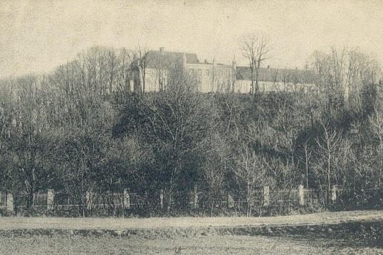 Zamek w Nowogrodzie Bobrzańskim. Przez wieki było to (wraz z Krzystkowicami) miasto graniczne. Biegła tutaj rubież państwowa i... religijna.