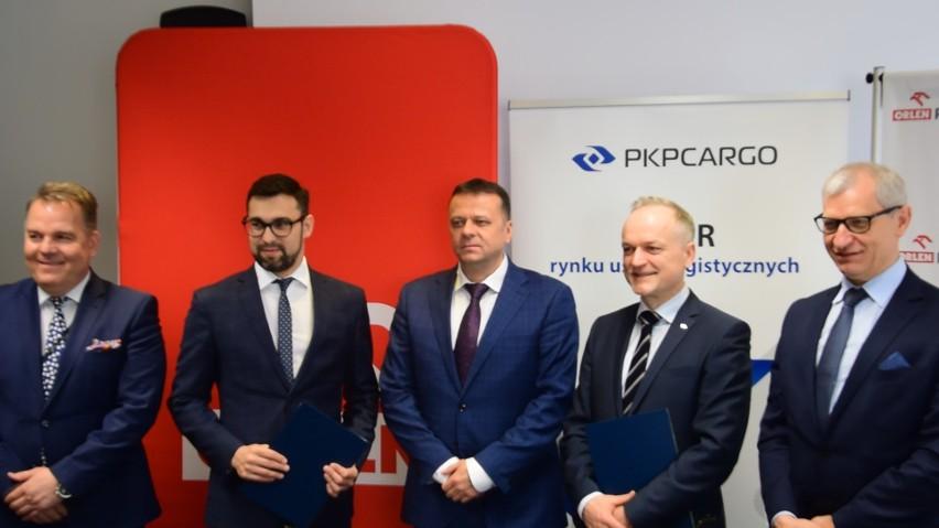 Porozumienie pomiędzy spółkami pozwolić na zwiększenie możliwości operacyjnych PKP Cargo, największego operatora kolejowych przewozów towarowych w Polsce.