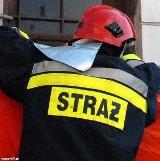 Na terenie gminy Wiązownica strażacy walczą z wyciekiem mazutu