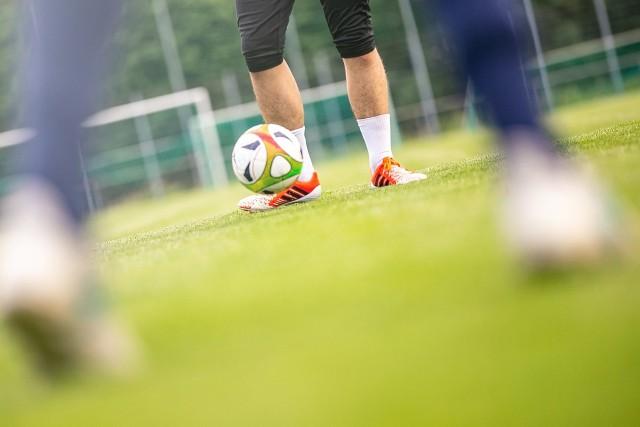 Zakończył się sezon piłkarski w regionie radomskim. W kilku klubach od czwartej ligi do klasy A doszło do zmiany trenerów. Sprawdziliśmy, gdzie zajdą zmiany. RUCHY TRENERSKIE SPRAWDŹ NA KOLEJNYCH SLAJDACH ====>>>>