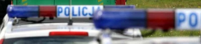 Opel kadet uderzy w maszynę ciągnięta przez traktor