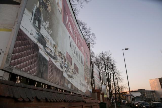 Szpetne reklamy mają zniknąć z Krakowa