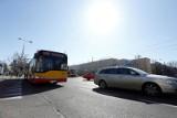 Wypadek autobusu w Warszawie: PiS zapowiada kontrolę poselską w spółce Arriva i apeluje do Trzaskowskiego. Ratusz zawiesił umowę z firmą
