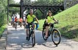 """Kruszwica. Na rowerach ruszyli """"Śladami Prasłowian"""". Rajd w ramach V Weekendu  na Szlaku Piastowskim. Zdjęcia"""