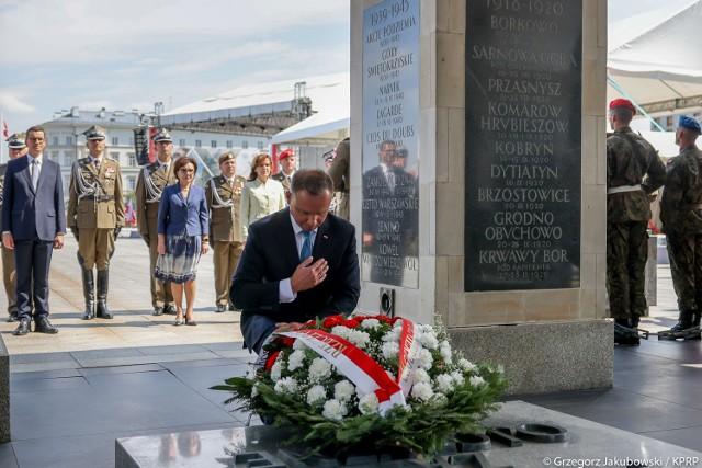 Uroczysta odprawa wart przed Grobem Nieznanego Żołnierza