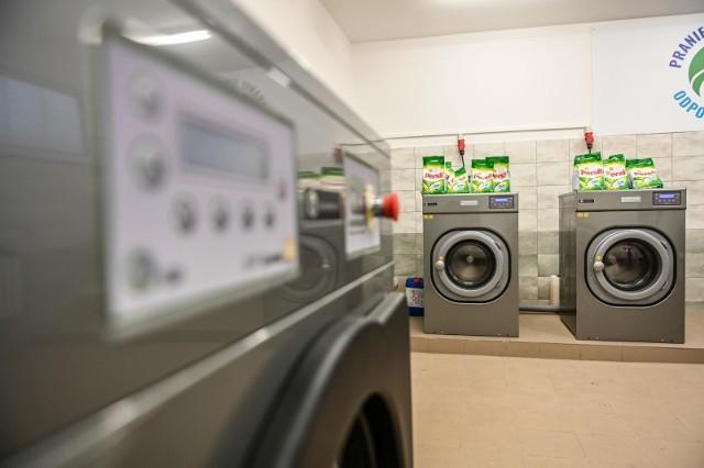 Wiele z tych firm uzależnionych jest od hoteli, które zostały zamknięte. Niestety rządzący, wyznaczając branże objęte tarczami, nie brali pralni pod uwagę- zwraca uwagę ekspert.