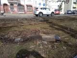 Kiedy wreszcie z toruńskich ulic i chodników zniknie piach? [Pogotowie reporterskie]