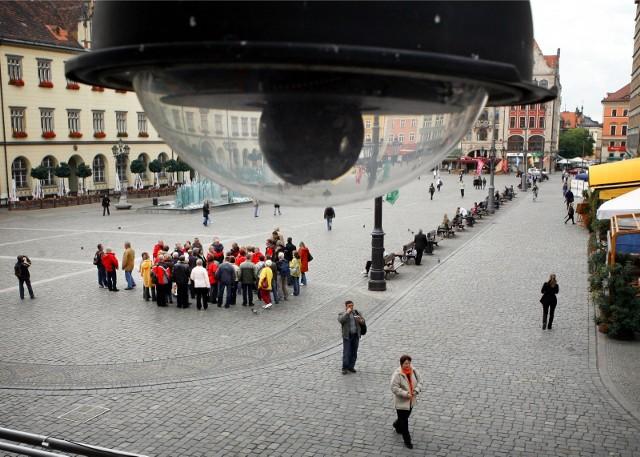 Operator miejskiego monitoringu wypatrzył zaginionego chłopca w Rynku