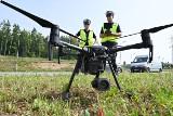 """Policjanci z Kielc z powietrza sprawdzą czy kierowcy jeżdżą """"na zderzak"""" [ZDJĘCIA]"""