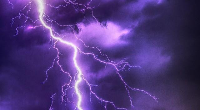 IMGW wydało ostrzeżenie dotyczące burz i silnych opadów deszczu