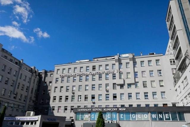 Mężczyzna wypadł z okna w szpitalu MSWiA w Warszawie.