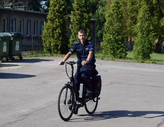 Nowe rowery elektryczne trafiły do policjantów z siewierskiego komisariatu Zobacz kolejne zdjęcia/plansze. Przesuwaj zdjęcia w prawo - naciśnij strzałkę lub przycisk NASTĘPNE