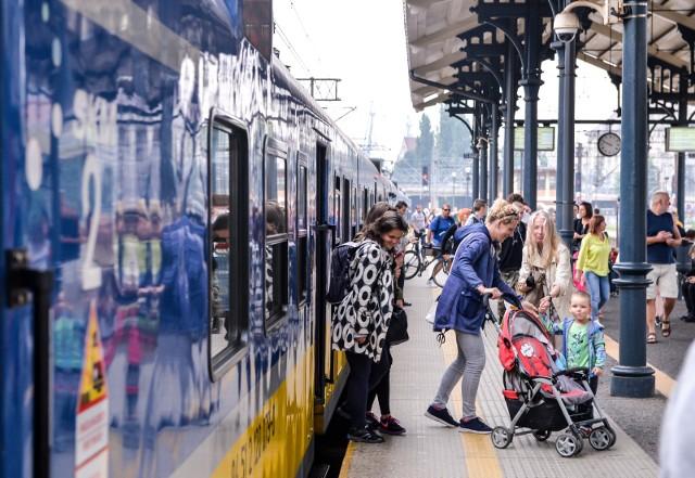 Wystarczy, że jeden skład  będzie miał opóźnienie  i od  razu przekłada się to na kolejne pociągi - tłumaczą przedstawiciele SKM